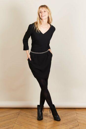 Petite robe noire au manche long idéal pour un automne